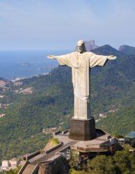 Luftaufnahme von Christus dem Erlöser-Denkmal und Rio De Janeiro